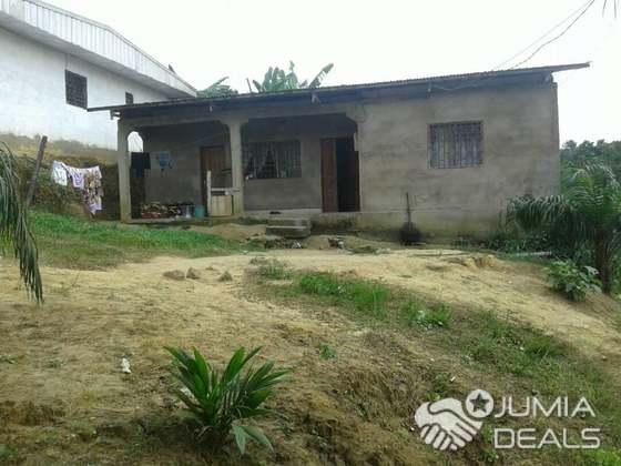 Maison (Villa) à vendre - Douala, Beedi, bm - 1 salon(s), 3 chambre(s), 2 salle(s) de bains - 12 000 000 FCFA