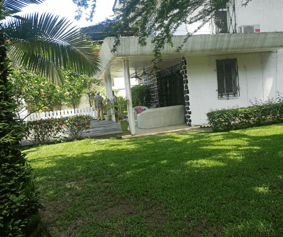 House (Villa) to rent - Douala, Bonanjo, Vallee des ministre - 1 living room(s), 4 bedroom(s), 3 bathroom(s) - 2 300 000 FCFA / month