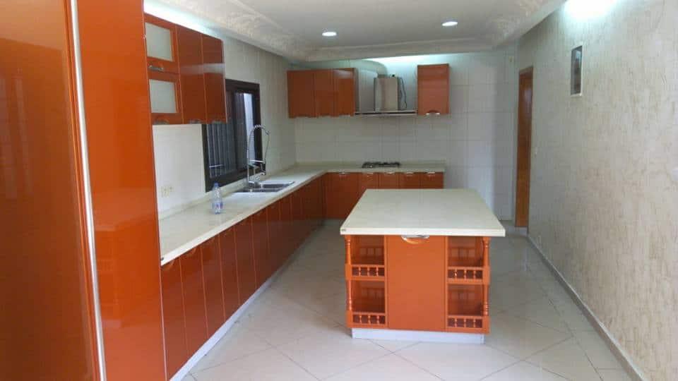 Maison (Villa) à louer - Douala, Bonapriso, Armée de l'air - 1 salon(s), 3 chambre(s), 2 salle(s) de bains - 1 400 000 FCFA / mois