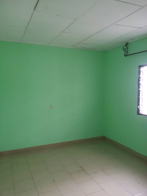 Apartment to rent - Douala, Logpom, Ver carrefour express - 1 living room(s), 1 bedroom(s), 1 bathroom(s) - 65 000 FCFA / month