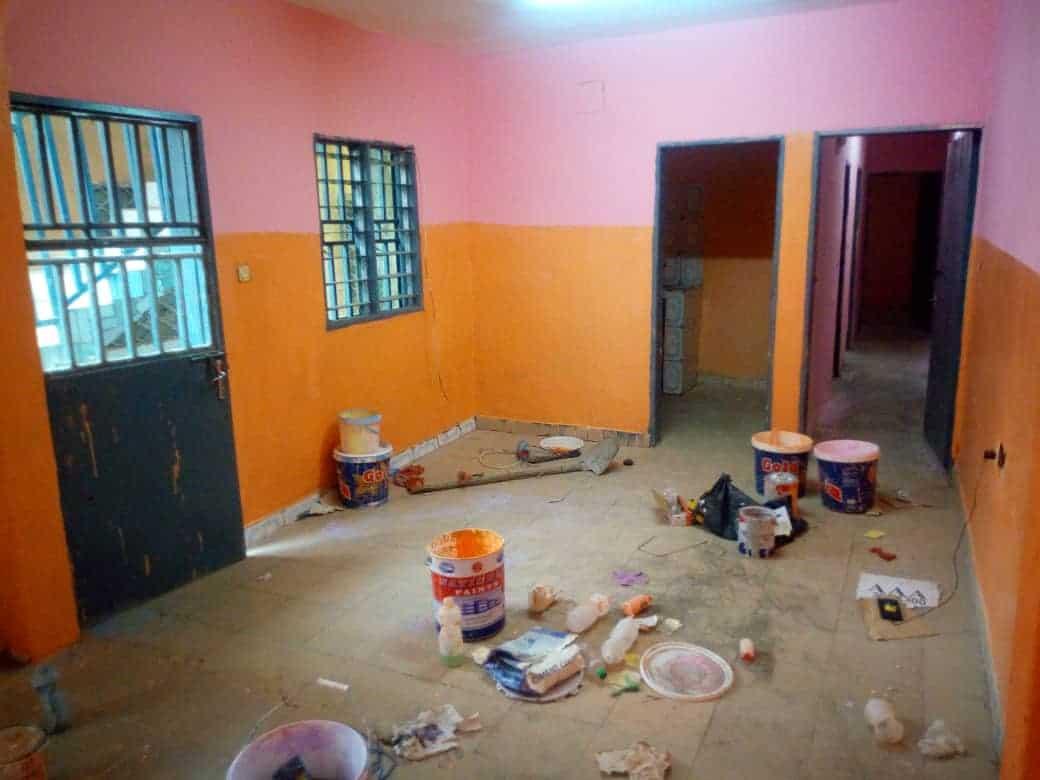 Apartment to rent - Douala, Makepe, DERRIERE LE LYCEE DE MAKEPE - 1 living room(s), 2 bedroom(s), 1 bathroom(s) - 70 000 FCFA / month