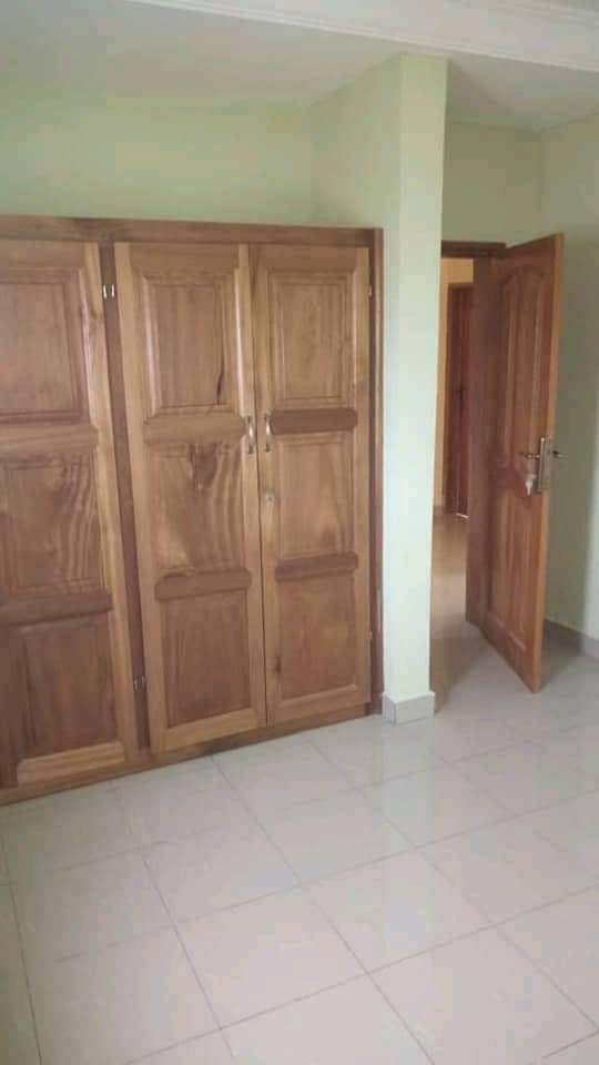 Apartment to rent - Douala, Kotto, Ver Baden Baden - 1 living room(s), 2 bedroom(s), 2 bathroom(s) - 130 000 FCFA / month