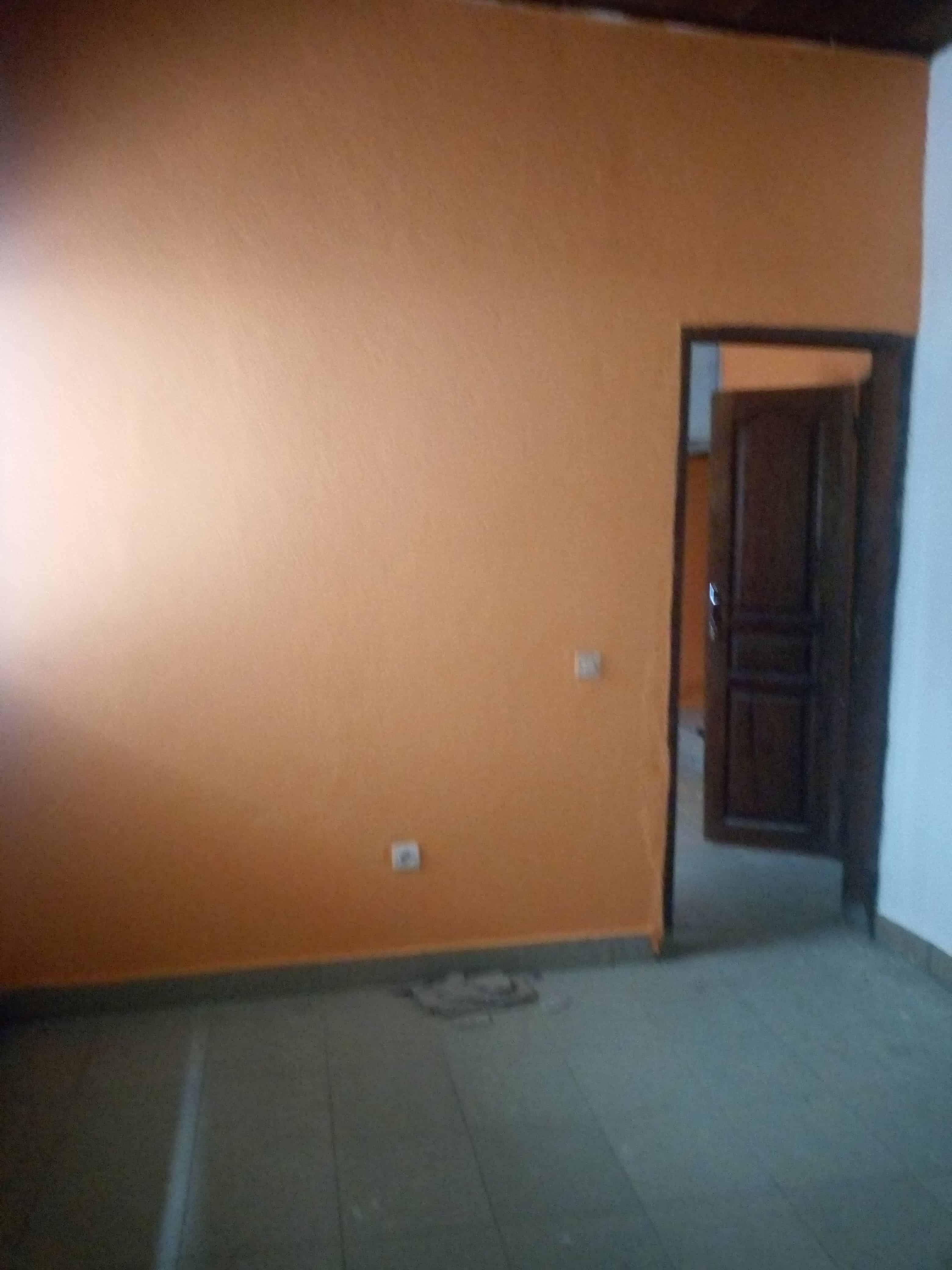 Apartment to rent - Douala, Kotto, Enteine - 1 living room(s), 1 bedroom(s), 1 bathroom(s) - 50 000 FCFA / month