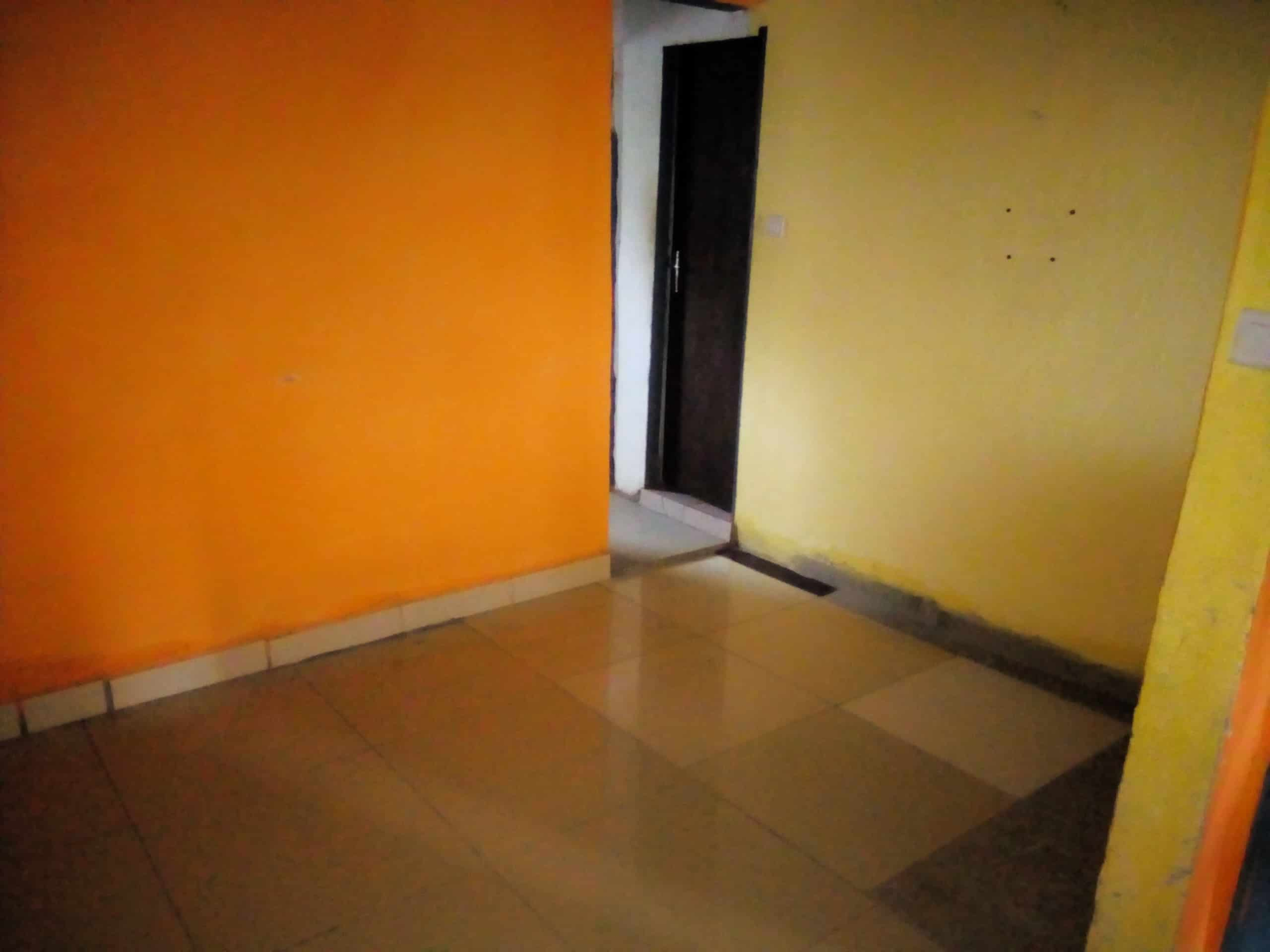 Apartment to rent - Douala, Makepe, Makepe - 1 living room(s), 1 bedroom(s), 1 bathroom(s) - 40 000 FCFA / month