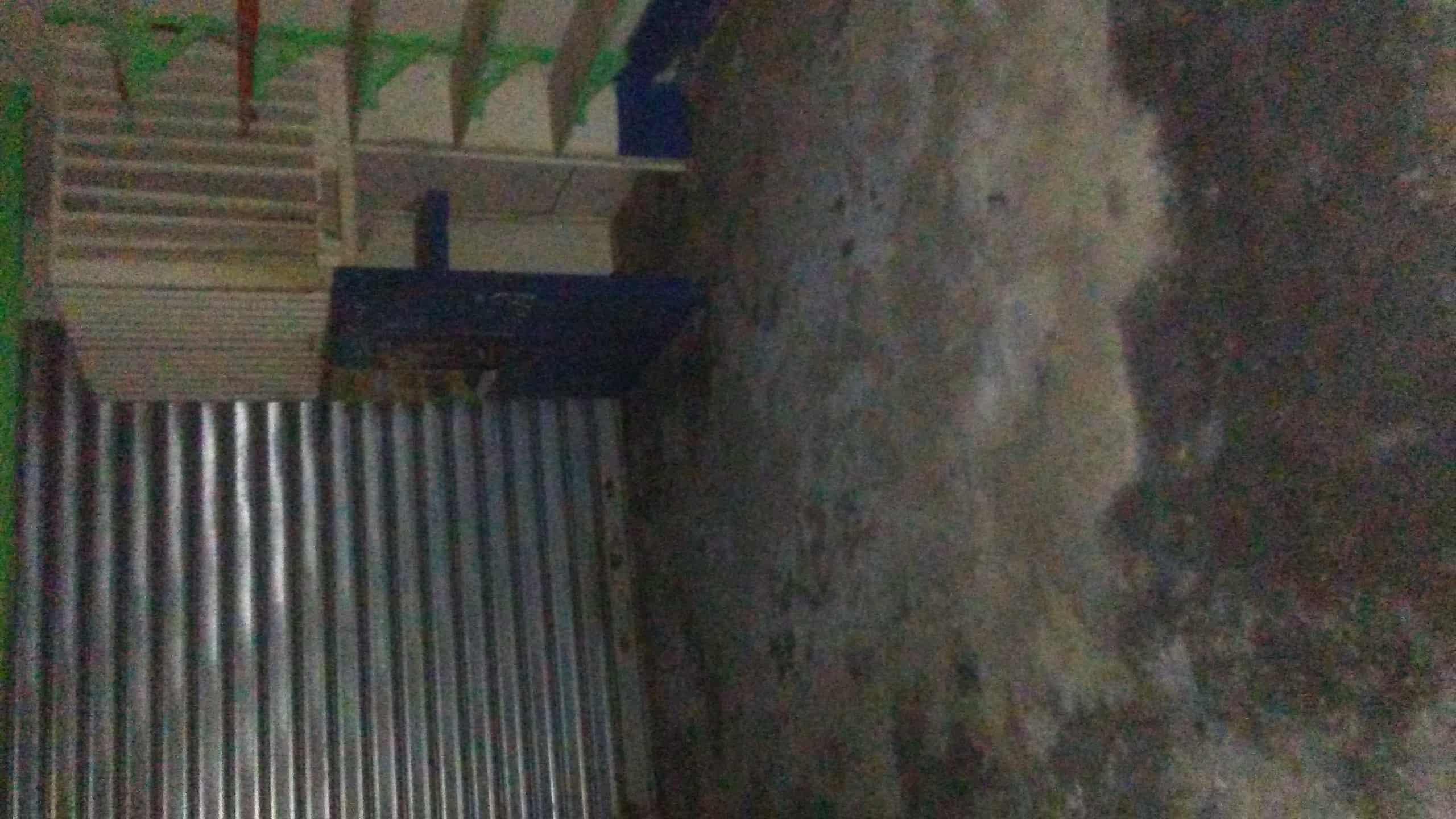 Shop to rent at Douala, Bepanda, Face texaco omnisport..bordure de route - 75 m2 - 150 000 FCFA