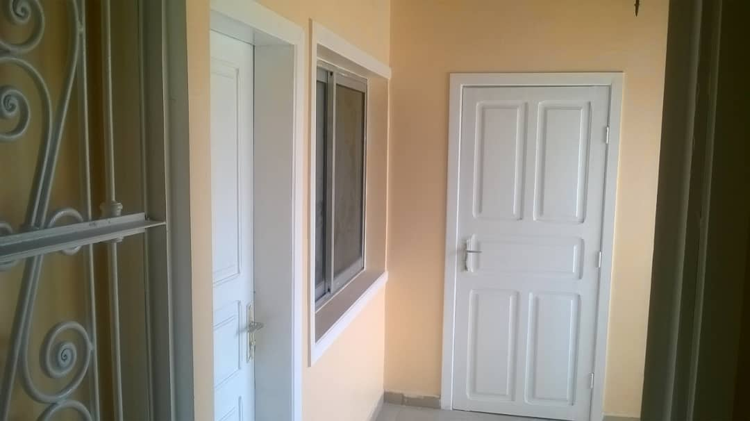 Apartment to rent - Douala, Deido, ROND-POINT DEIDO - 1 living room(s), 2 bedroom(s), 1 bathroom(s) - 205 000 FCFA / month