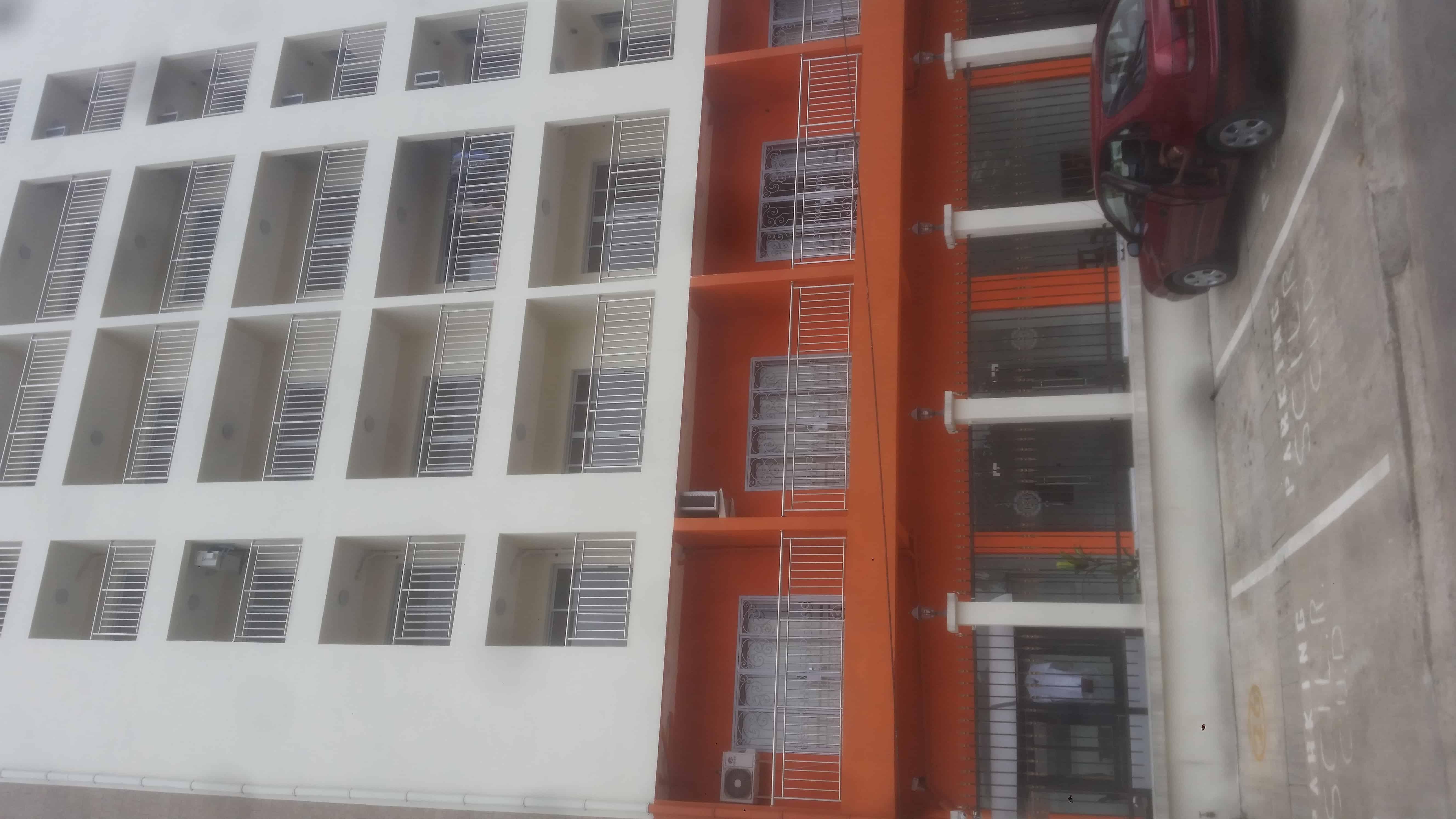 Apartment to rent - Douala, Bonapriso, soppo - 1 living room(s), 2 bedroom(s), 3 bathroom(s) - 450 000 FCFA / month