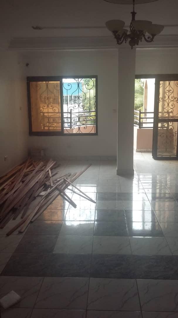 Apartment to rent - Douala, Bali, Ver la total - 1 living room(s), 1 bedroom(s), 1 bathroom(s) - 300 000 FCFA / month
