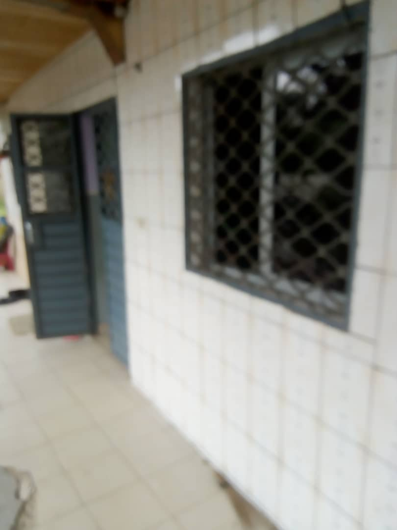 Apartment to rent - Douala, Ndogbong, Ver citadelle - 1 living room(s), 1 bedroom(s), 1 bathroom(s) - 500 000 FCFA / month
