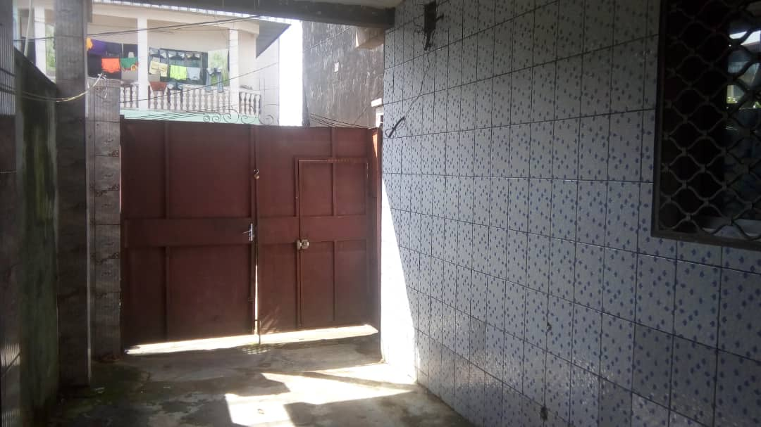 Apartment to rent - Douala, Makepe, Ver le lycée - 1 living room(s), 1 bedroom(s), 1 bathroom(s) - 55 000 FCFA / month