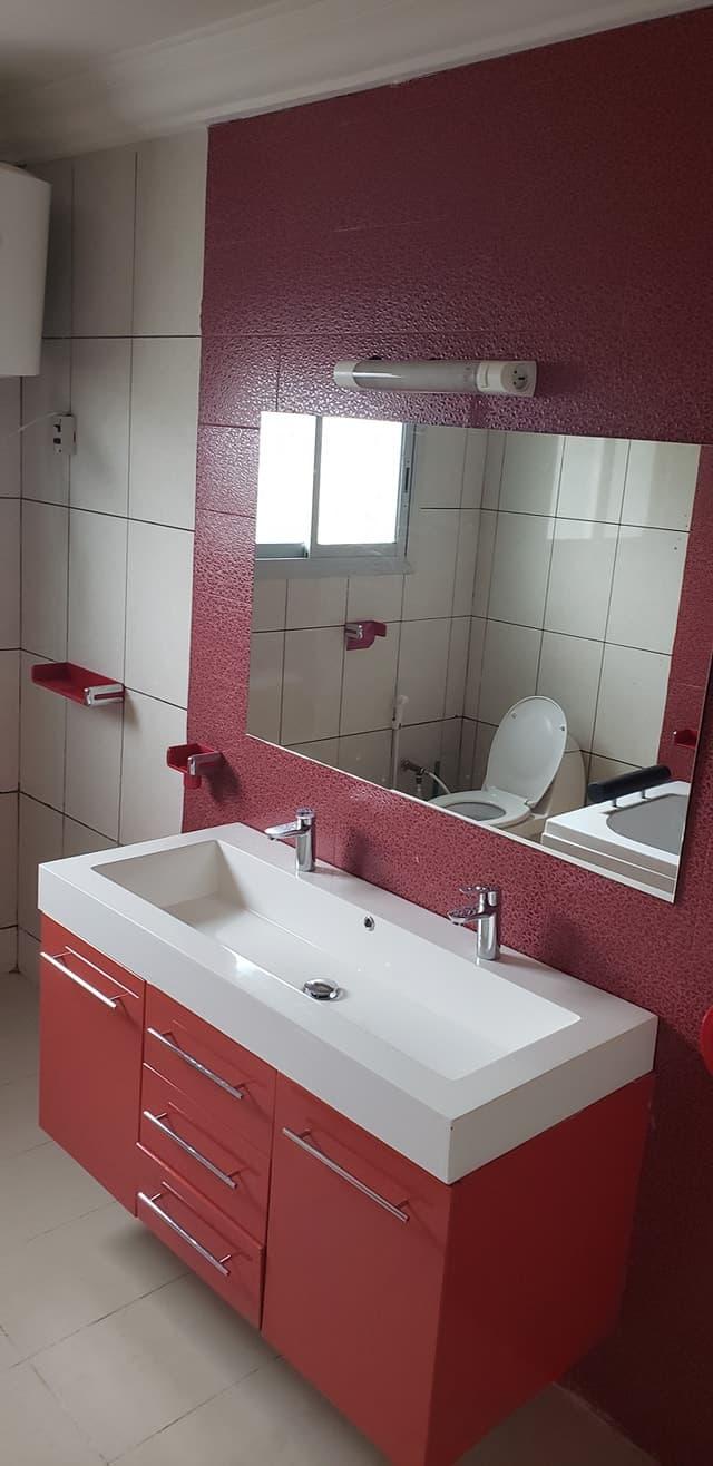 House (Villa) to rent - Douala, Bonapriso, Bonapriso - 1 living room(s), 4 bedroom(s), 3 bathroom(s) - 2 000 000 FCFA / month
