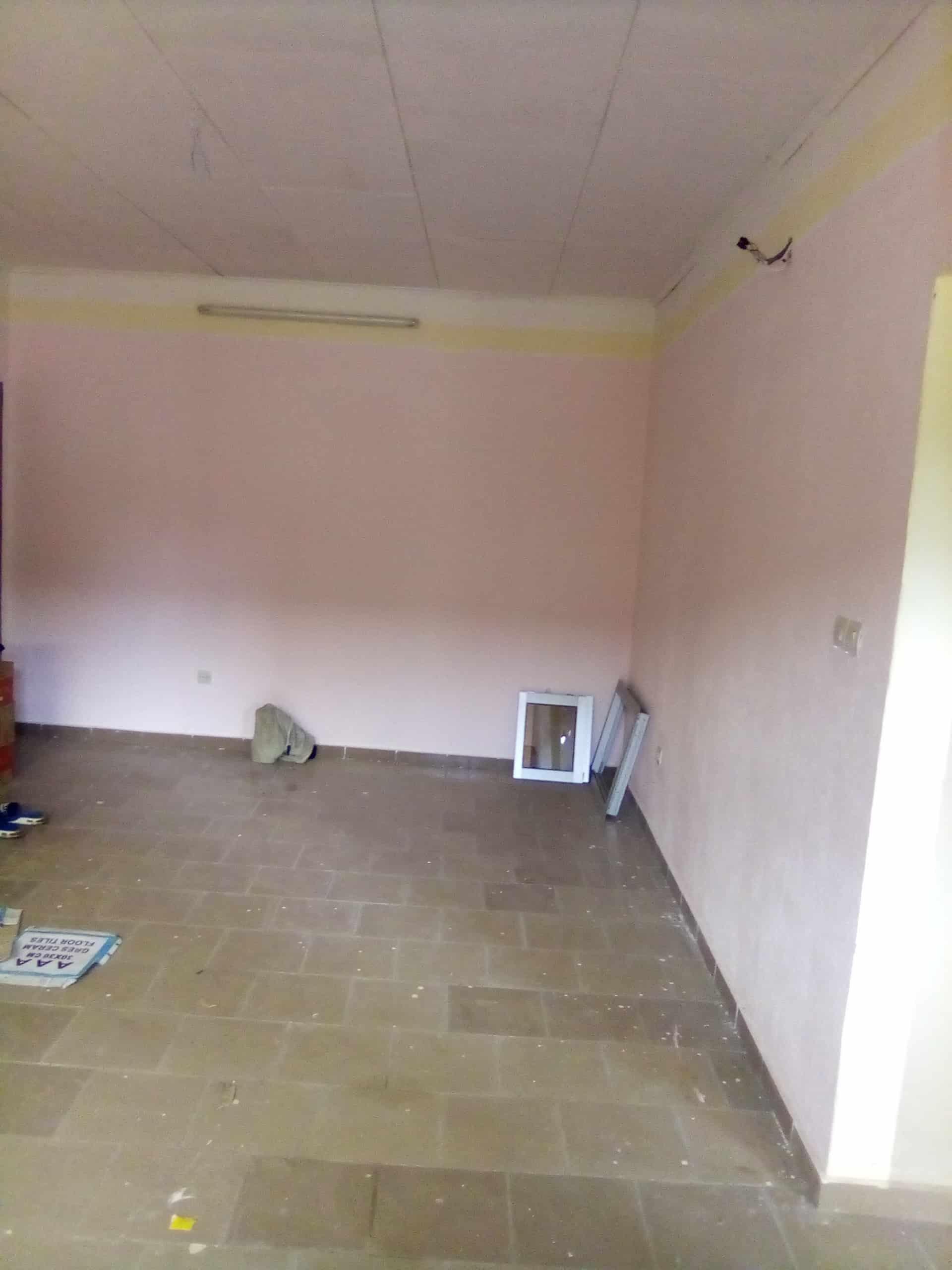 Apartment to rent - Douala, Logpom, Montana city - 1 living room(s), 2 bedroom(s), 1 bathroom(s) - 75 000 FCFA / month