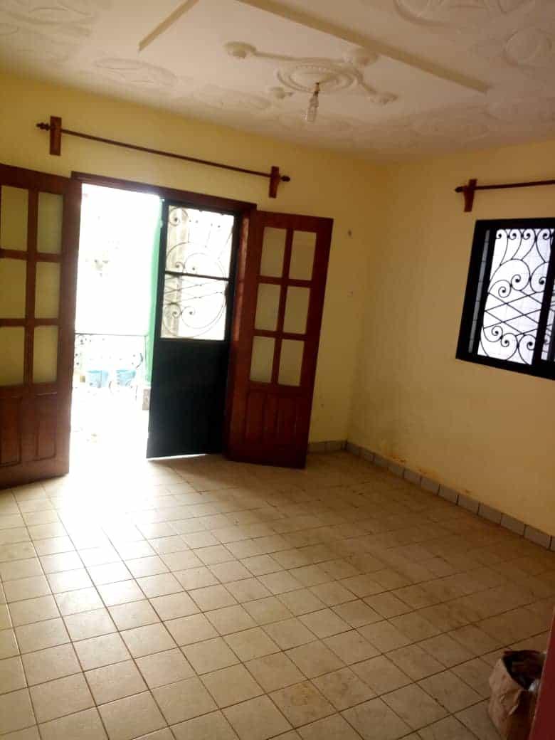 Apartment to rent - Douala, Logpom, Vet carrefour express - 1 living room(s), 1 bedroom(s), 1 bathroom(s) - 80 000 FCFA / month