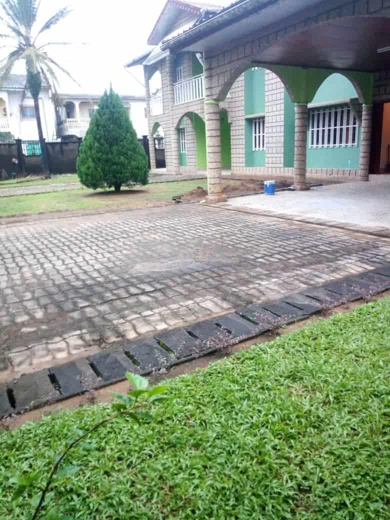 House (Villa) to rent - Douala, Makepe, Ver st Tropez - 2 living room(s), 4 bedroom(s), 6 bathroom(s) - 500 000 FCFA / month