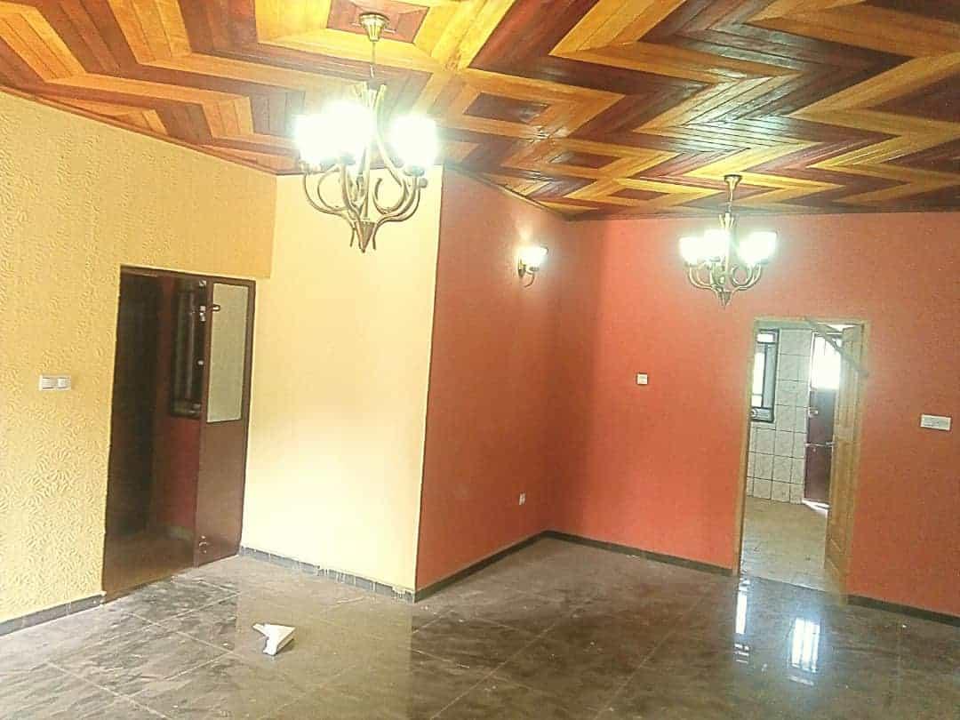 Appartement à louer - Yaoundé, Nkolbisson, Nouvelle route - 1 salon(s), 2 chambre(s), 3 salle(s) de bains - 125 000 FCFA / mois