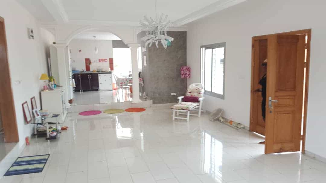 House (Villa) for sale - Yaoundé, Odza, immobilier - 1 living room(s), 3 bedroom(s), 2 bathroom(s) - 130 000 000 FCFA / month