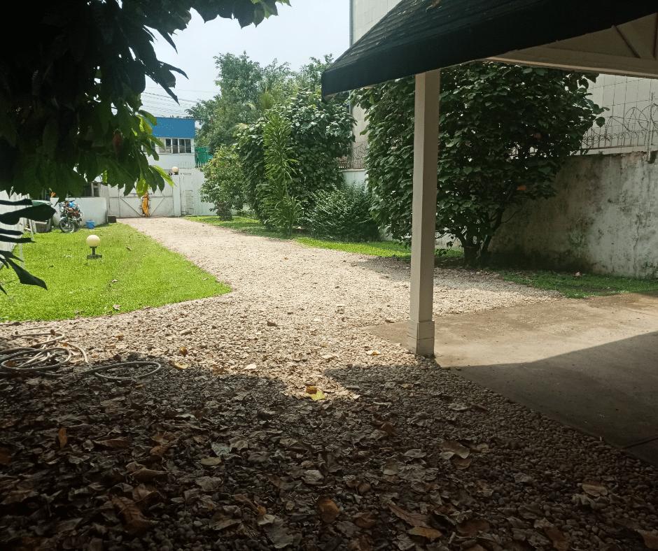 House (Villa) to rent - Douala, Bonapriso,  - 1 living room(s), 4 bedroom(s), 3 bathroom(s) - 3 000 000 FCFA / month