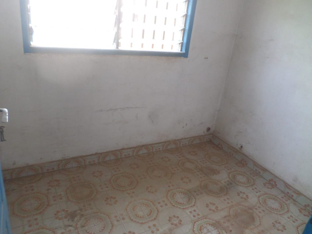 Office to rent at Yaoundé, Centre administratif, centrer ville vers avenue kennedy - 80 m2 - 200 000 FCFA