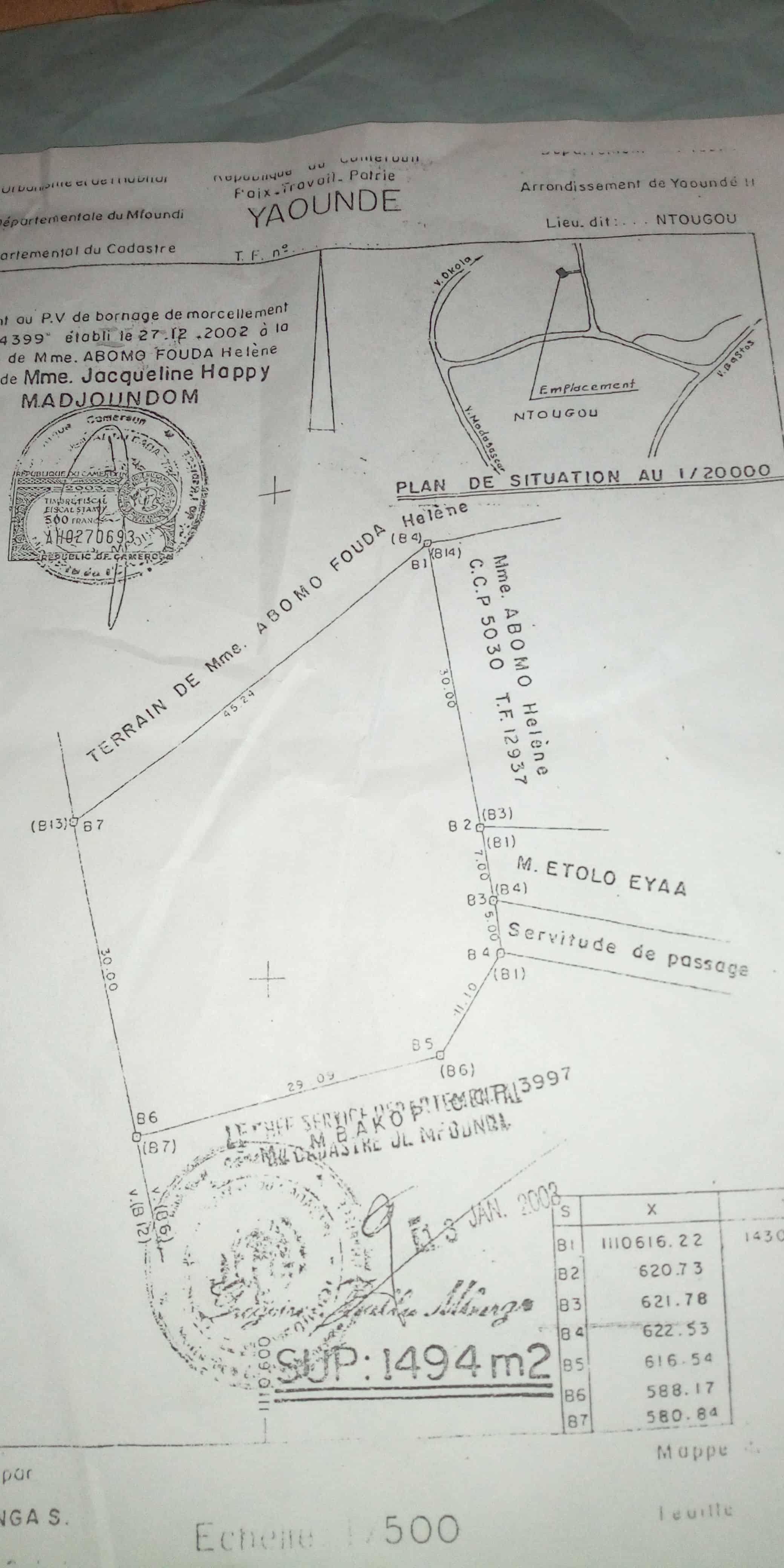Land for sale at Yaoundé, Bastos, Terrain à vendre Yaoundé golf febe - 1400 m2 - 630 000 000 FCFA