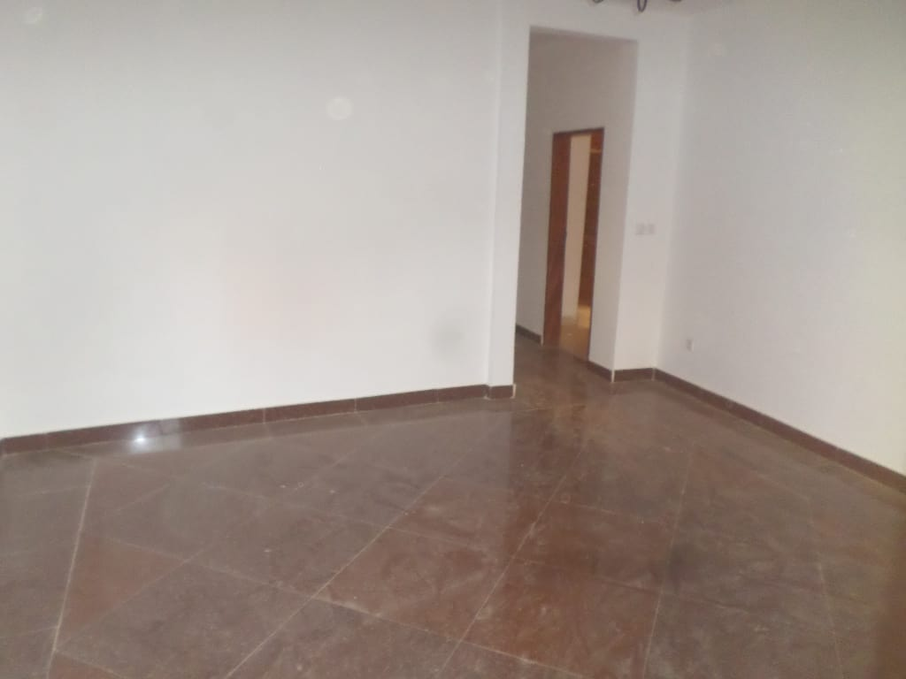 Apartment to rent - Yaoundé, Bastos, vers le golf - 1 living room(s), 2 bedroom(s), 2 bathroom(s) - 230 000 FCFA / month
