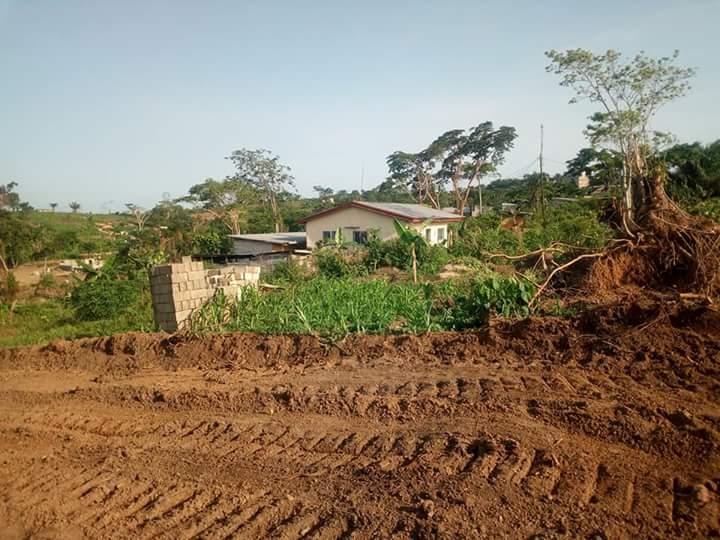 Terrain à vendre - Douala, PK 17, Derrière l'Université - 240 m2 - 3 000 000 FCFA
