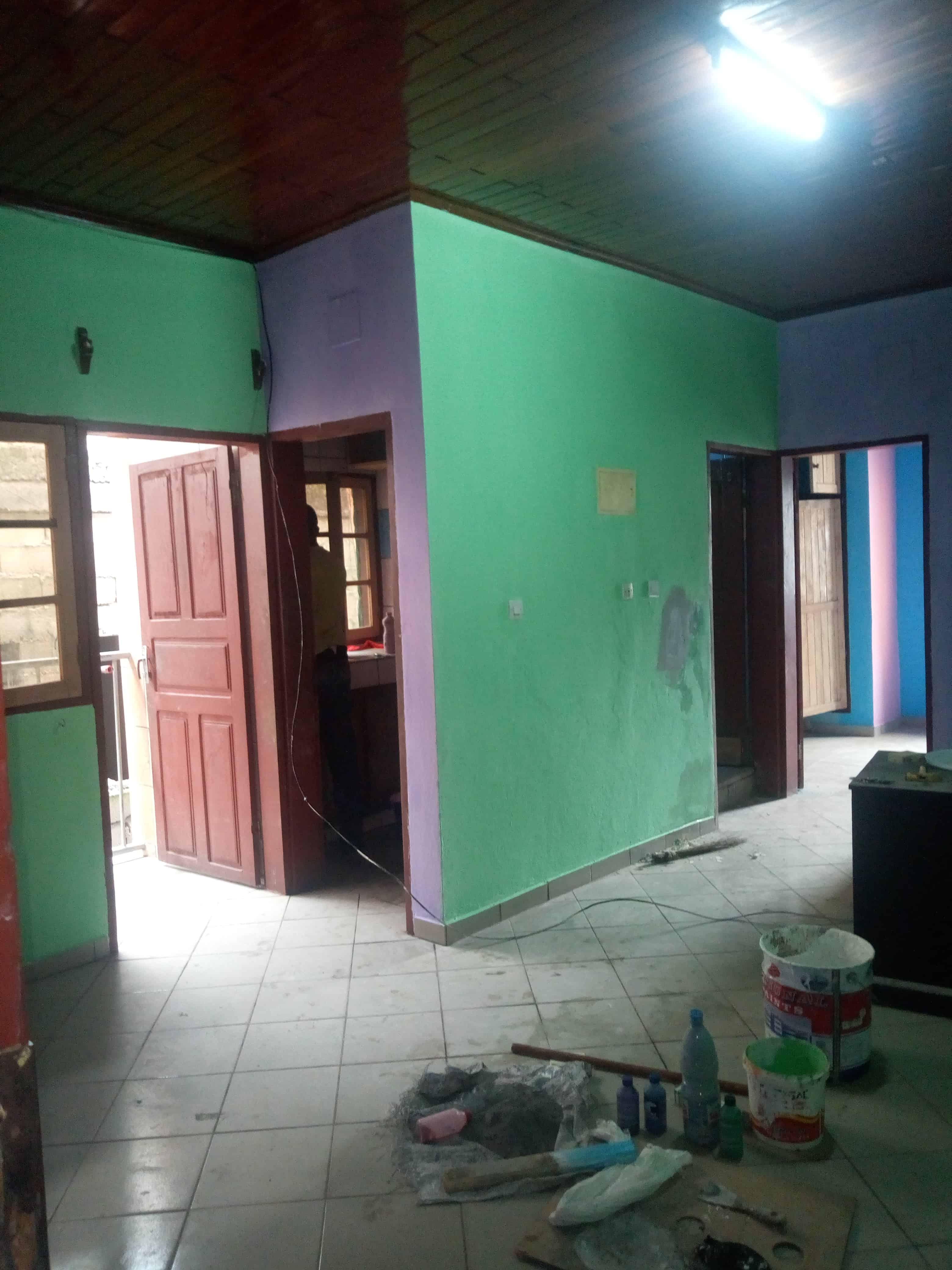 Appartement à louer - Douala, Makepe, Rond pauleng - 1 salon(s), 1 chambre(s), 1 salle(s) de bains - 70 000 FCFA / mois