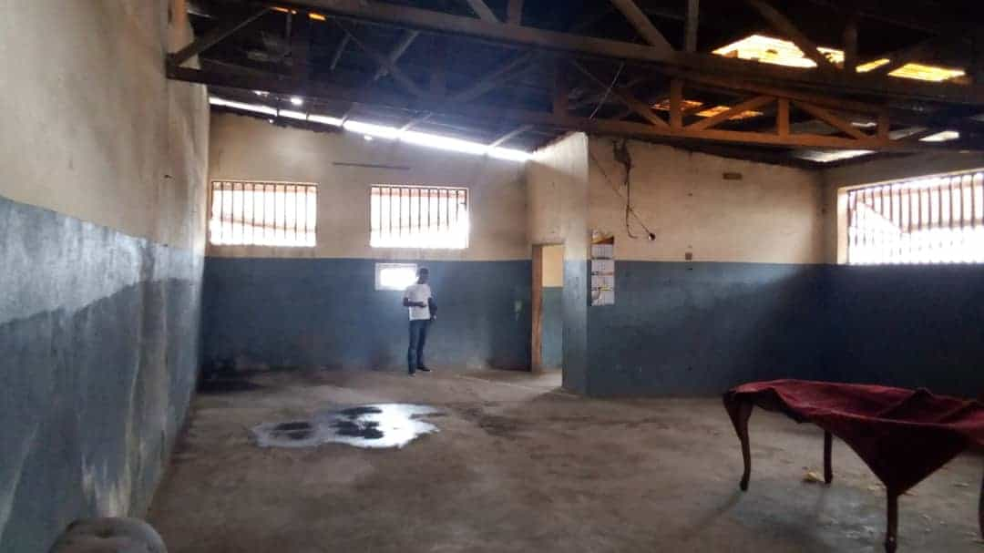 Warehouse to rent at Douala, Bepanda, Ver l'axe lourd - 125 m2 - 250 000 FCFA
