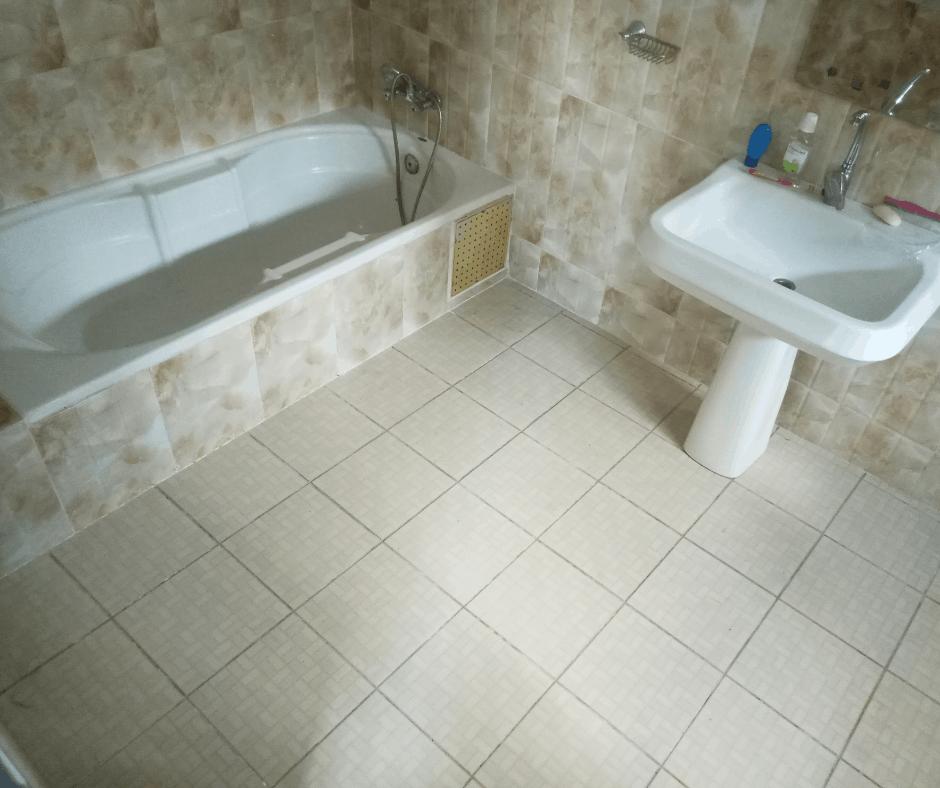 House (Villa) to rent - Douala, Bonapriso, Hôtel de l'air - 1 living room(s), 3 bedroom(s), 2 bathroom(s) - 1 300 000 FCFA / month