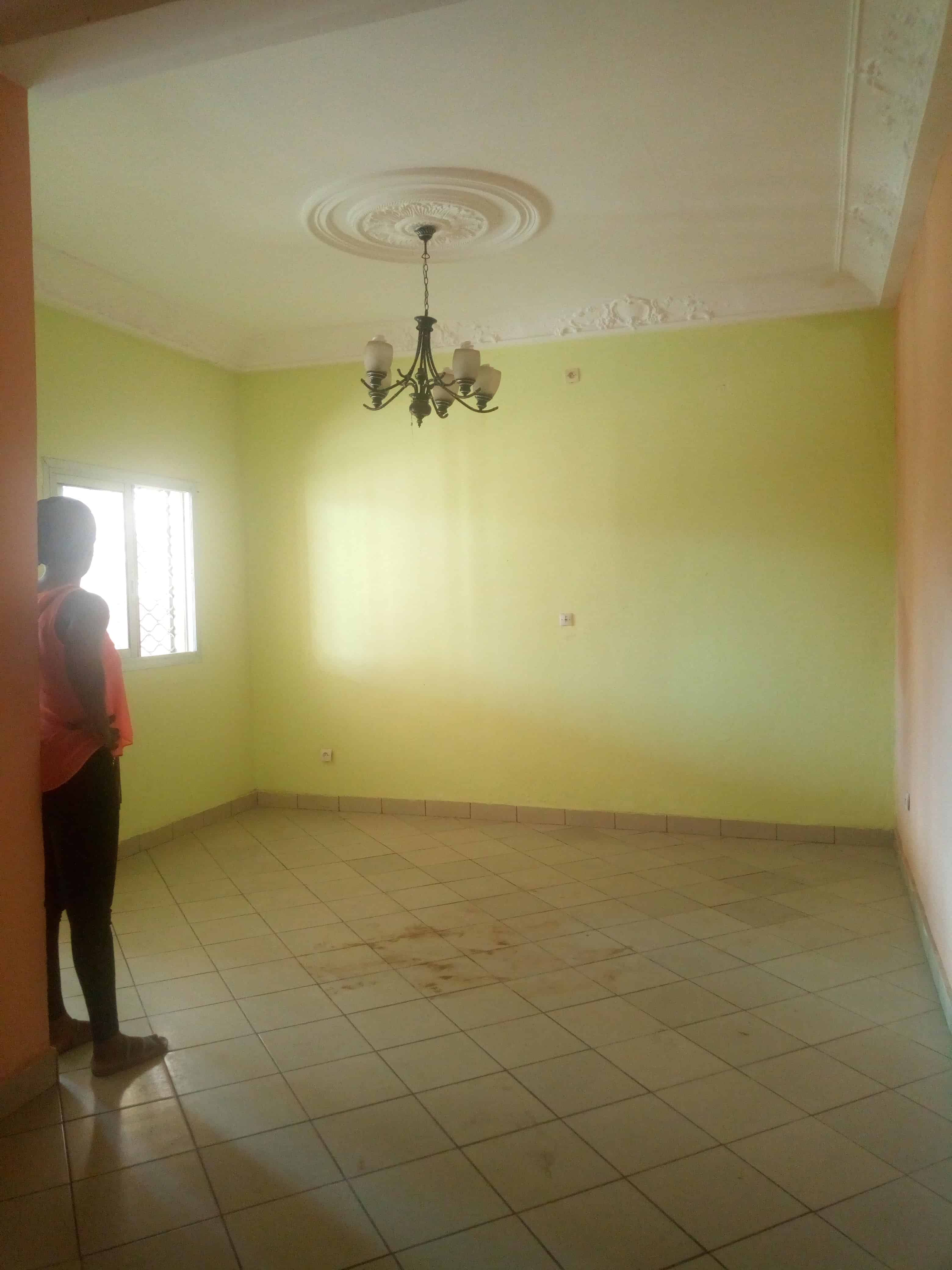 Apartment to rent - Douala, Makepe, Rond pauleng - 1 living room(s), 2 bedroom(s), 2 bathroom(s) - 110 000 FCFA / month