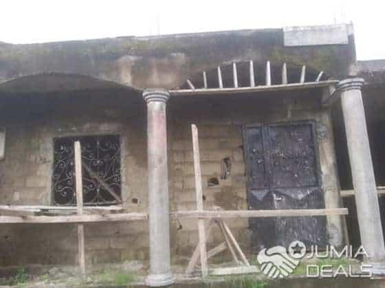 House (Villa) for sale - Douala, PK 11, pk12 ngo ndjoh - 1 living room(s), 3 bedroom(s), 2 bathroom(s) - 9 000 000 FCFA / month