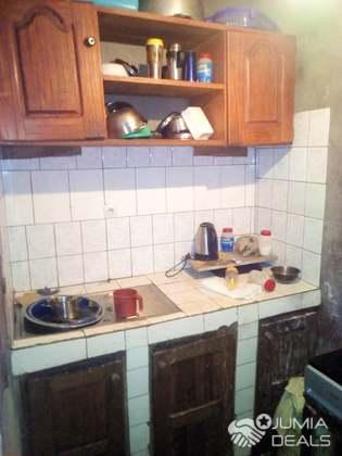 House (Villa) for sale - Douala, PK 10, marché - 1 living room(s), 3 bedroom(s), 2 bathroom(s) - 15 000 000 FCFA / month