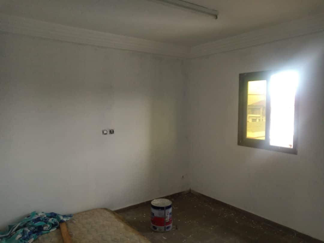 Appartement à louer - Douala, Makepe, Ver Rhône Poulin - 1 salon(s), 2 chambre(s), 2 salle(s) de bains - 130 000 FCFA / mois