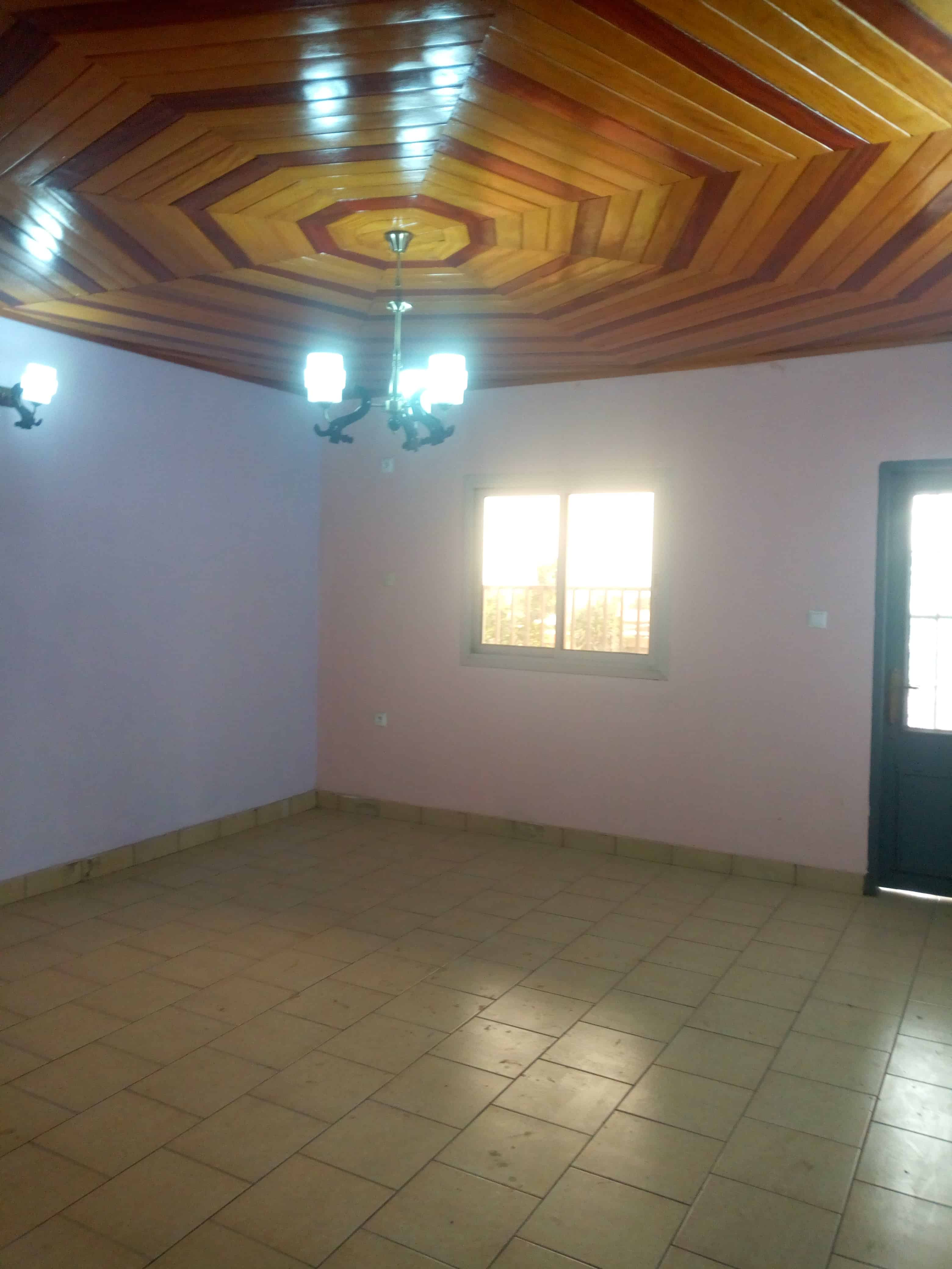 Apartment to rent - Douala, Makepe, Rond pauleng - 1 living room(s), 1 bedroom(s), 1 bathroom(s) - 80 000 FCFA / month