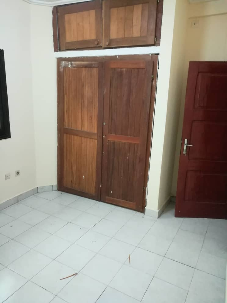 Apartment to rent - Douala, Makepe, Cour suprême - 1 living room(s), 2 bedroom(s), 2 bathroom(s) - 120 000 FCFA / month