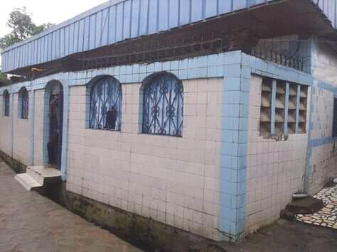 Maison (Villa) à vendre - Douala, Ndokotti, ccc - 1 salon(s), 3 chambre(s), 2 salle(s) de bains - 10 000 000 FCFA
