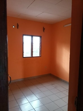 Apartment to rent - Douala, Makepe, Carrefour Bm maképé - 1 living room(s), 2 bedroom(s), 1 bathroom(s) - 100 000 FCFA / month