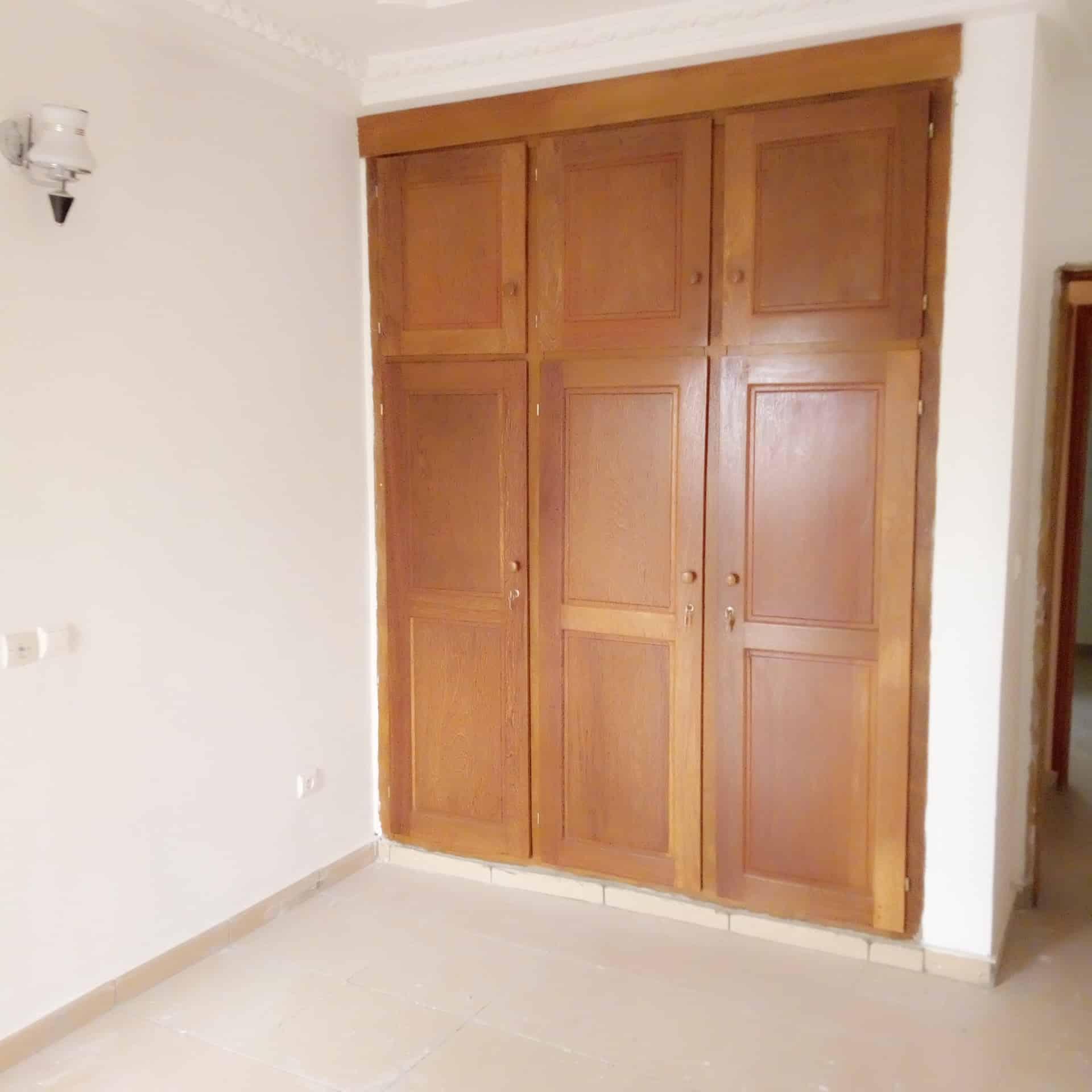 Apartment to rent - Douala, Makepe, Ver BM - 1 living room(s), 2 bedroom(s), 2 bathroom(s) - 150 000 FCFA / month