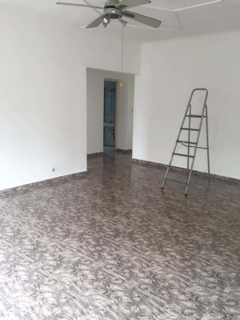 House (Villa) to rent - Douala, Bali, Vers koumassi - 1 living room(s), 4 bedroom(s), 3 bathroom(s) - 900 000 FCFA / month