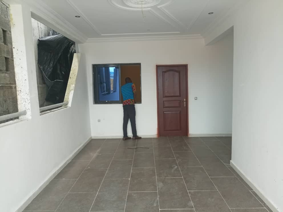 Apartment to rent - Douala, Bali, Rue des palmiers - 1 living room(s), 1 bedroom(s), 1 bathroom(s) - 350 000 FCFA / month