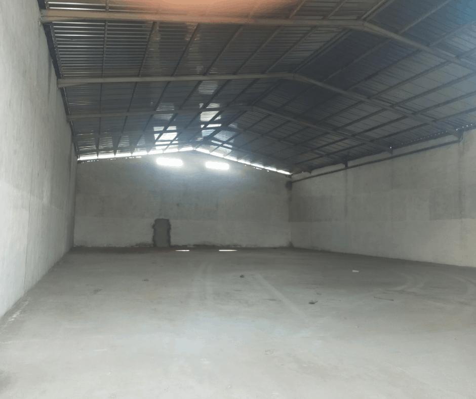 Store to rent at Douala, Bali, SGBC - 600 m2 - 2 000 000 FCFA