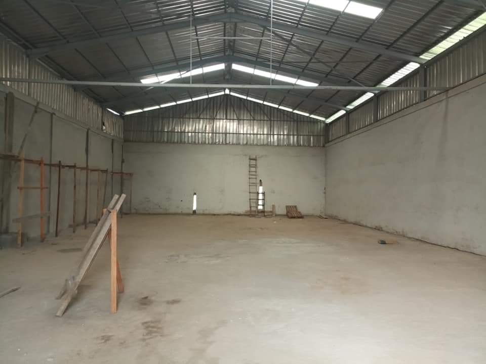 Store to rent at Douala, Yassa, Axe central -  m2 - 2 500 000 FCFA