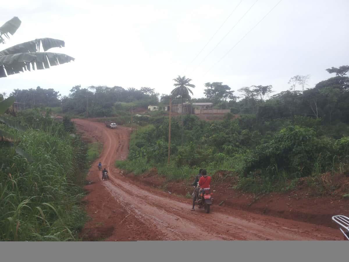 Land for sale at Yaoundé, Mbankomo, Carrefour Station Service - 1000 m2 - 9 500 000 FCFA