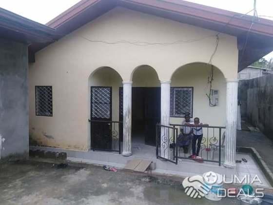 House (Villa) for sale - Douala, Japoma, japoma - 1 living room(s), 3 bedroom(s), 2 bathroom(s) - 25 000 000 FCFA / month