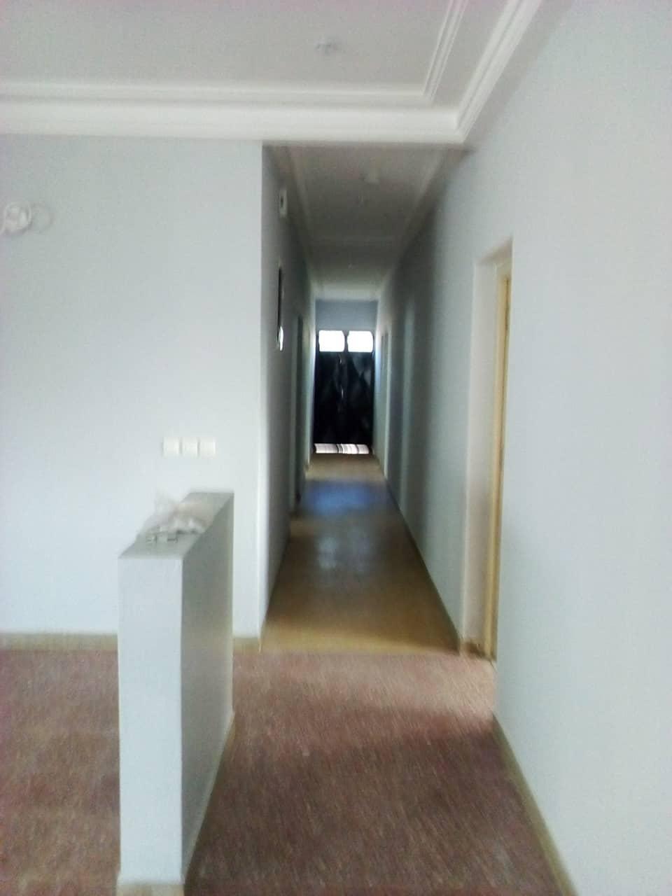 Office to rent at Yaoundé, Bastos, pas loin de la banque mondiale - 1500 m2 - 2 500 000 FCFA