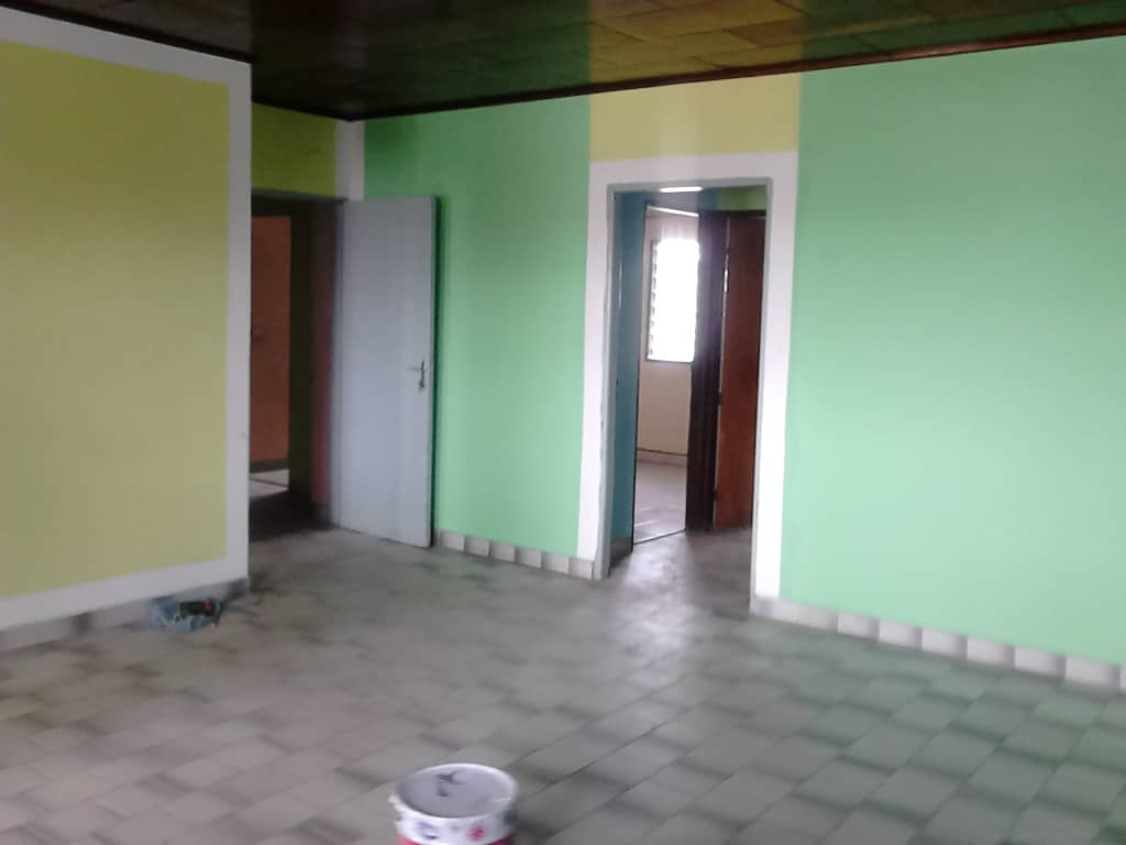 Apartment to rent - Douala, Akwa II, akwa nord - 1 living room(s), 2 bedroom(s), 1 bathroom(s) - 175 000 FCFA / month