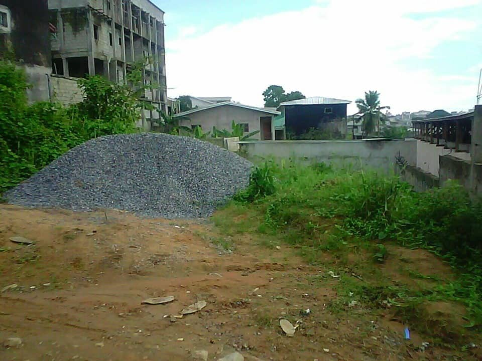 Land for sale at Douala, Bangue, college soflane - 616 m2 - 18 000 000 FCFA