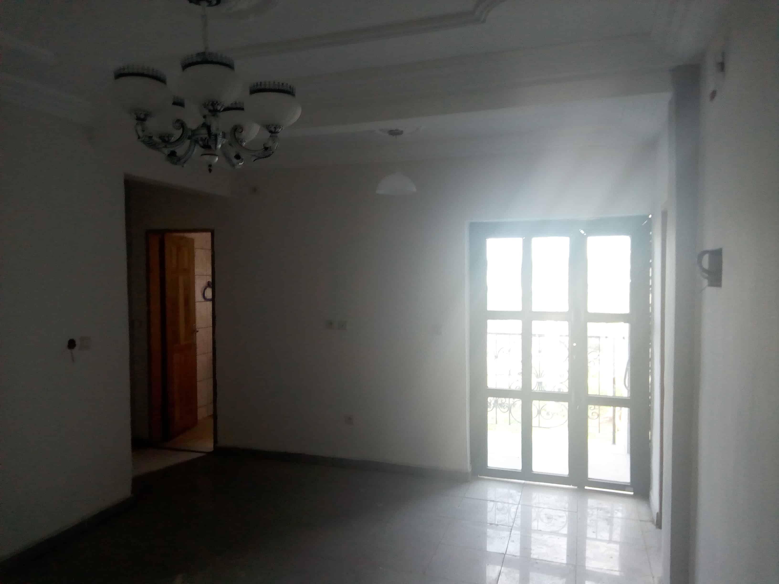 Apartment to rent - Douala, PK 14, Logbessou, Très bien placé - 1 living room(s), 1 bedroom(s), 1 bathroom(s) - 80 000 FCFA / month