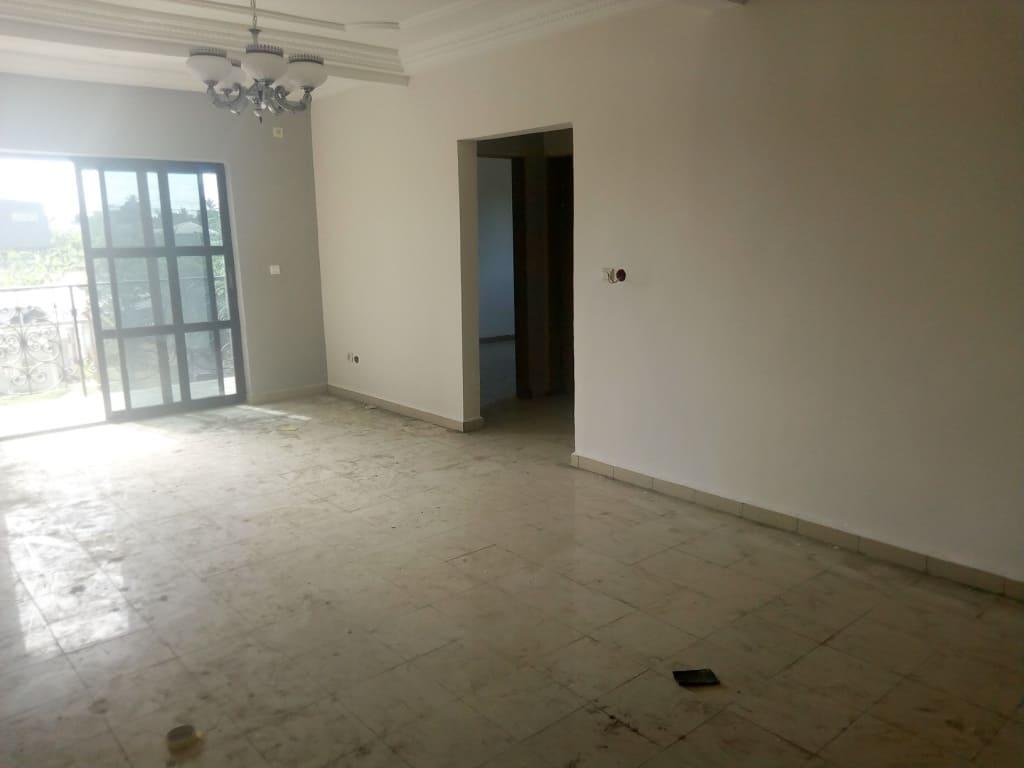 Apartment to rent - Douala, PK 14, A logbessou, très bien placé - 1 living room(s), 2 bedroom(s), 2 bathroom(s) - 150 000 FCFA / month