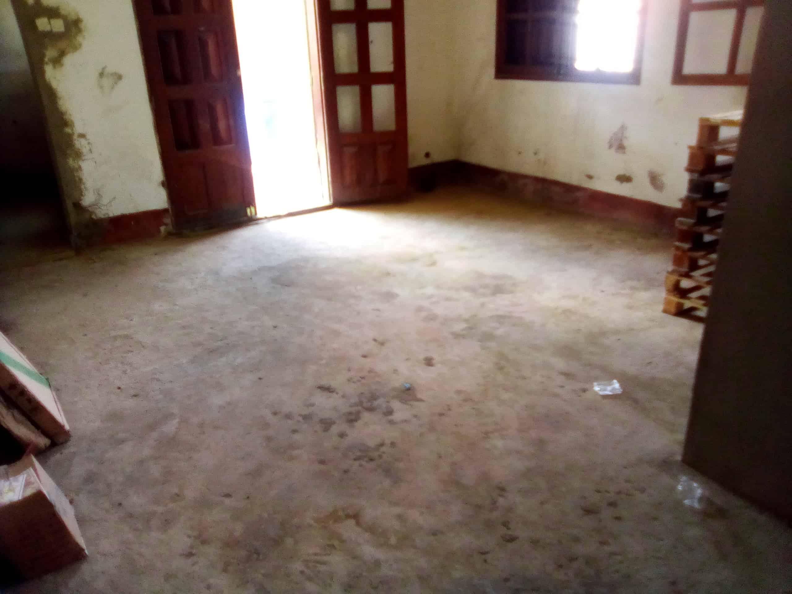 Apartment to rent - Douala, Kotto, bloc - 1 living room(s), 1 bedroom(s), 1 bathroom(s) - 50 000 FCFA / month