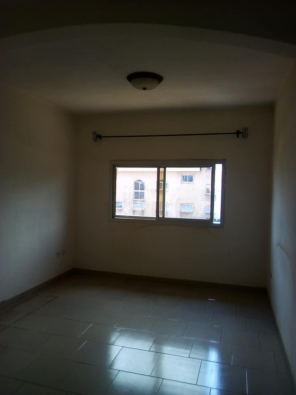 Appartement à louer - Yaoundé, Tsinga, pas loin du camp sic - 1 salon(s), 2 chambre(s), 1 salle(s) de bains - 150 000 FCFA / mois
